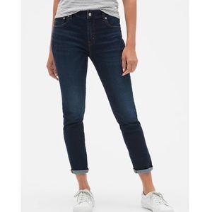 Gap 1969 Girlfriend Mid Rise Blue Jeans 26